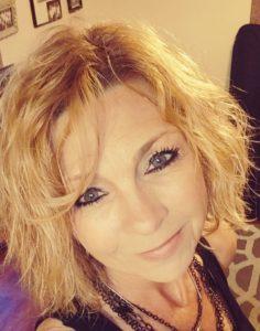 Lisa of Beyond Blonde